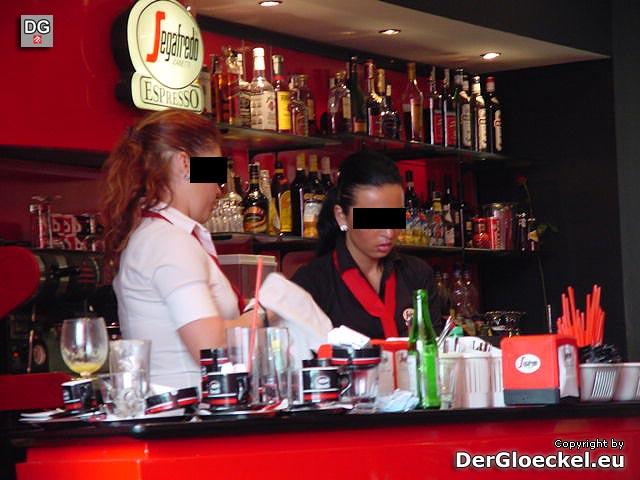 Personal wird unfreundlich wenn Kunde das Inkasso von Zündern kritisiert - Segafredo Espresso Aupark Bratislava