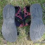 Die Ansicht der Schuhsohlen des im INTERSPAR erworbenen Trekkingsandalen