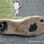 """Der linke Schuh von """"jello Schuhpak"""""""