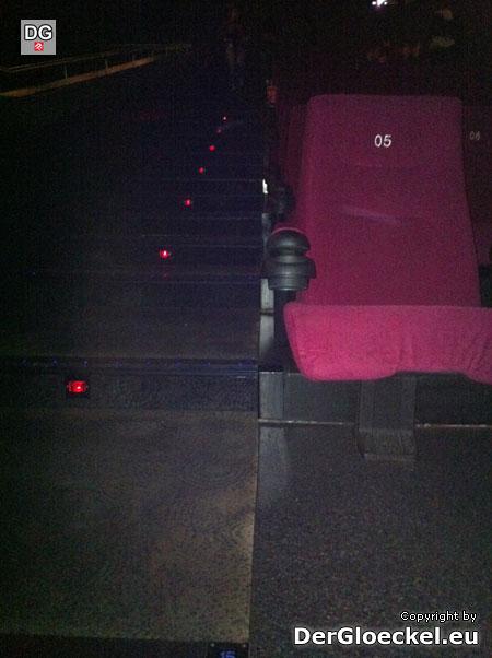 die äußersten 2 Sitzplätze dieser Sitzreihe werden als rechter Mittelblock bezeichnet | Foto: DerGloeckel.eu